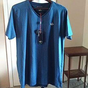 Le Shark mens v-neck tee size XL